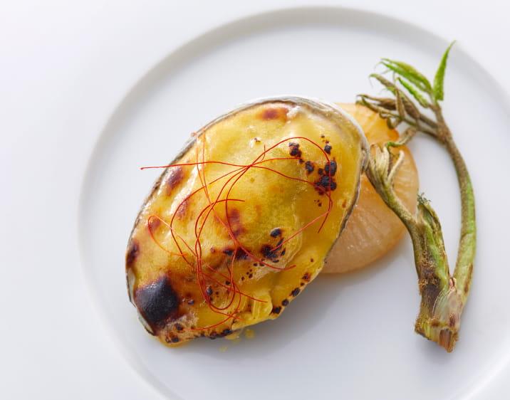 鮑のコンフィ西京味噌焼き