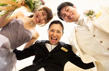 新婚さんと円陣!