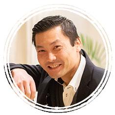 サービス・中村朋弘さんの顔写真