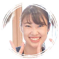 ウエディングプランナー・荒川結実さんの顔写真