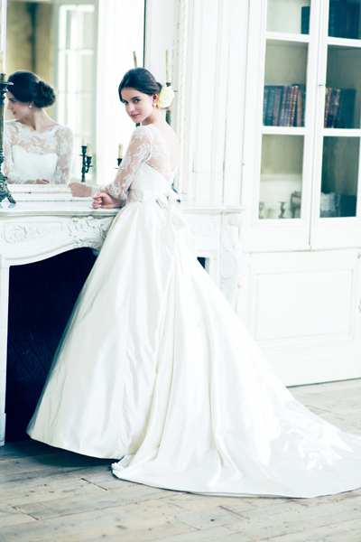 長袖のウエディングドレス