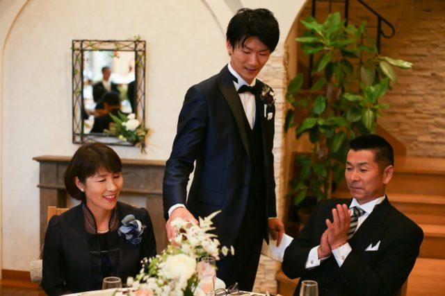 結婚式の演出:シャンパンサーブ