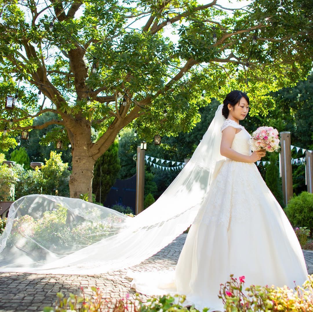 背の低い花嫁さまにはふわっとスカートが広がるドレスがオススメ_エスポワール