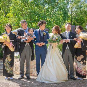 結婚式に参列する両親の衣裳ってどうしたらいいの?