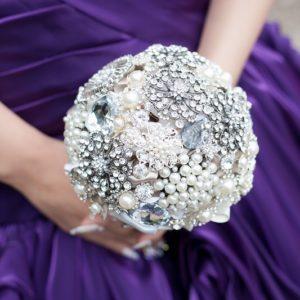 季節で変わる結婚式!テーブルコーディネートとブーケ冬の装い